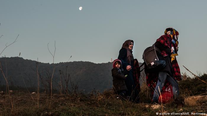 Mittelmeer - Flüchtlinge - Boot (picture-alliance/AA/E. Martinena)