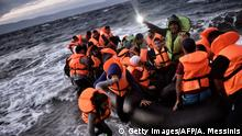 Mittelmeer - Flüchtlinge – Boot (Getty Images/AFP/A. Messinis)
