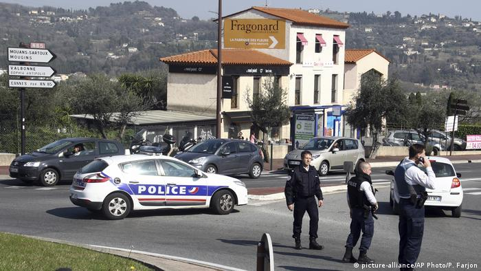 Frankreich Schießerei in Schule in Grasse (picture-alliance/AP Photo/P. Farjon)