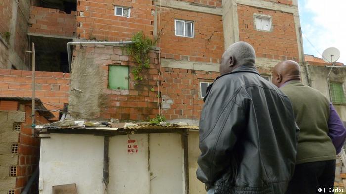 Portugal | Afrikaner in Lissabon | Hochwasser und Feuchtigkeit in Häusern (J. Carlos)