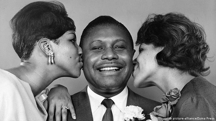 Aretha Franklin mit Vater und Schwester (picture-alliance/Zuma Press)