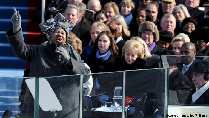 USA Vereidigung von Barack Obama - Aretha Franklin (picture-alliance/dpa/P. Benic)