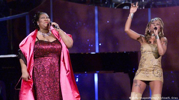 USA Sängerinnen Aretha Franklin und Mary J. Blige bei VH1 Divas Live in New York (Getty Images/Hulton Archive/S. Gries)