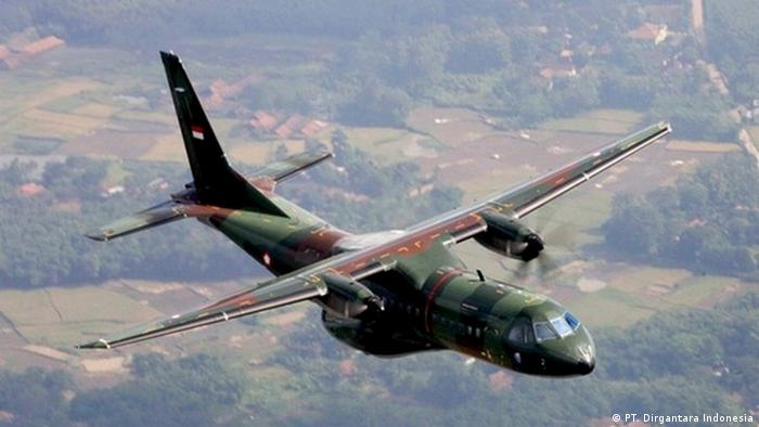 Militärflugzeug CN295 Military des staatlichen Unternehmens PT. Dirgantara Indonesia (PT. Dirgantara Indonesia)