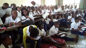 Mosambik Überbelegung Schulen in Zambezia