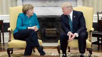 USA Merkel und Trump (picture allianceAP/dpa/E. Vucci)