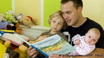Немецкий папа с детьми