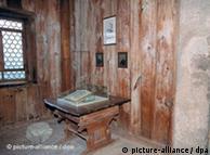 El cuarto donde Martín Lutero tradujo la Biblia al alemán, en el castillo de Wartburg.
