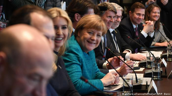USA - Donald Trump trifft Angela Merkel (picture-alliance/AdMedia/CNP/P. Benic)