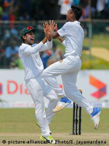 Sri Lanka Cricket-Testpiel in Colombo - Sri Lanka vs. Bangladesch (picture-alliance/AP Photo/E. Jayawardena)