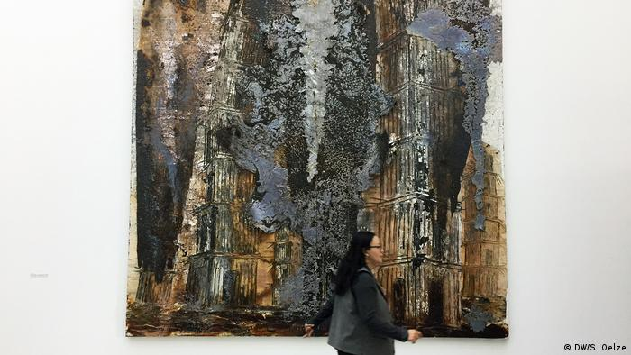 Kiefer painting of church towers (DW/S. Oelze)