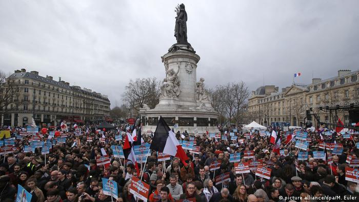 Frankreich Großkundgebung des französischen Präsidentschaftskandidaten Jean-Luc Mélenchon