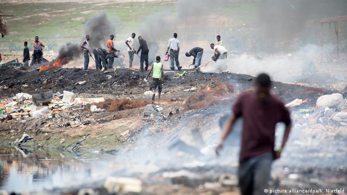 Burning of e-waste in Ghana