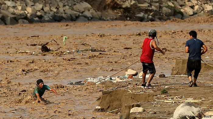 Peru Rimac Fluß Überschwemmungen