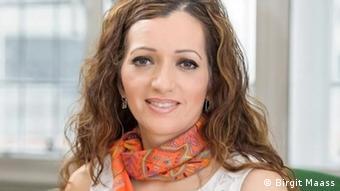 Tasmina Ahmed-Sheikh (Birgit Maass)