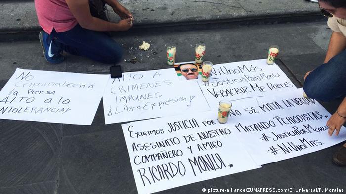 Mexiko Protest gegen den Mord an den Journalisten Ricardo Monlu