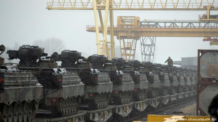 Gemrman tanks in Lithuania (picture alliance/dpa/M. Kul)