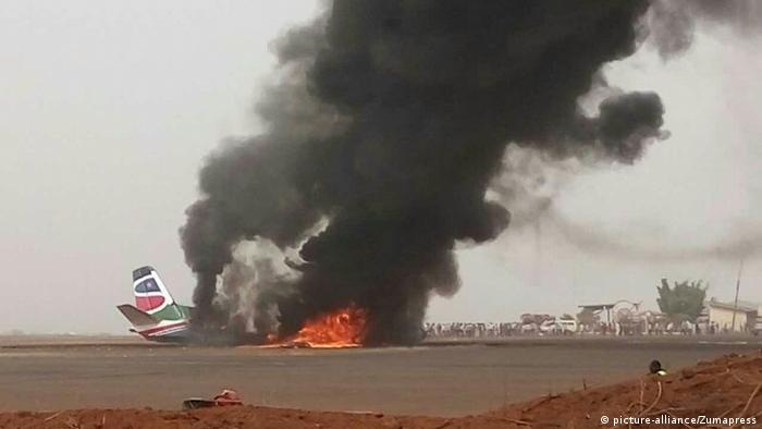 Südsudan Absturz Passagierflugzeug (picture-alliance/Zumapress)