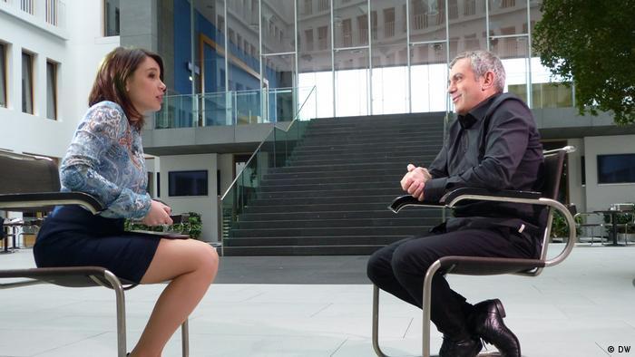 Schriftschteller Wladimir Kaminer im Interview mit Zhanna Nemtsova
