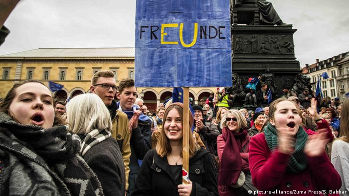 На молодежной демонстрации в поддержку ЕС