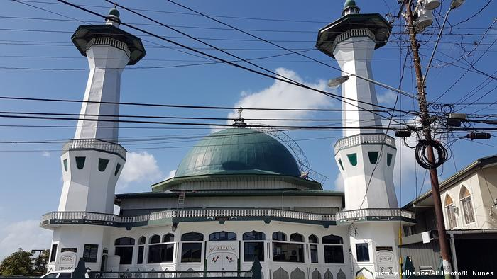 Trinidad und Tobago Moschee in Two Princesses Town (picture-alliance/AP Photo/R. Nunes)