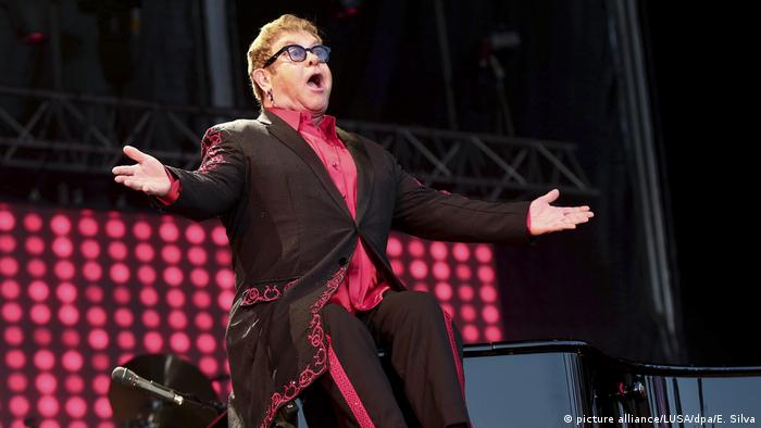 Elton John in concert (picture alliance/LUSA/dpa/E. Silva)