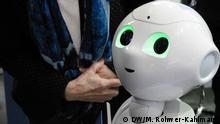 Deutschland Messe Cebit in Hannover Service-Roboter Pepper