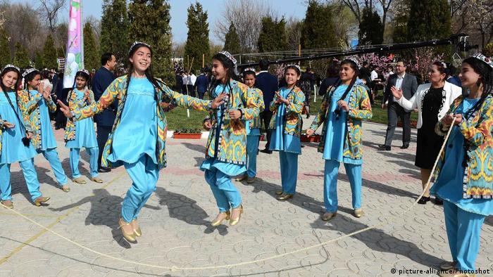 Танцы до упаду в Узбекистане