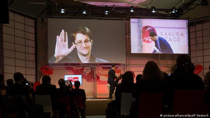 IT Messe CeBit Edward Snowden