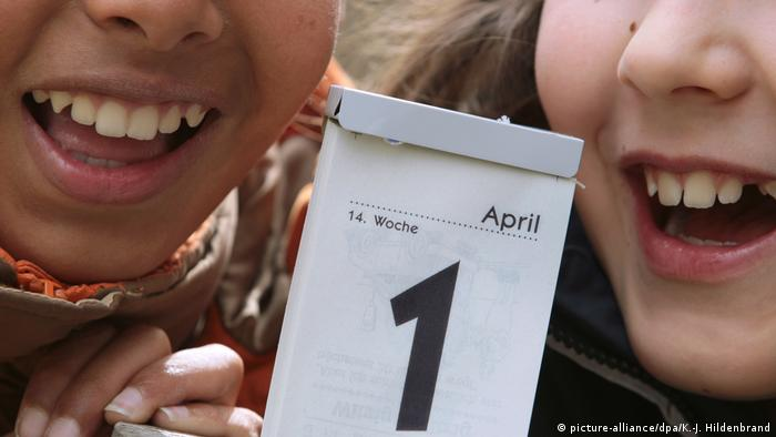 المخاوف من كورونا وتعكر المزاج العام لا يتركان مجالا كبيرا لتبادل نكات كذبة أول أبريل