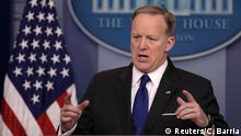 21.03.2017+++ White House Press Secretary Sean Spicer holds the daily press briefing at the White House in Washington, U.S. March 21, 2017. REUTERS/Carlos Barria