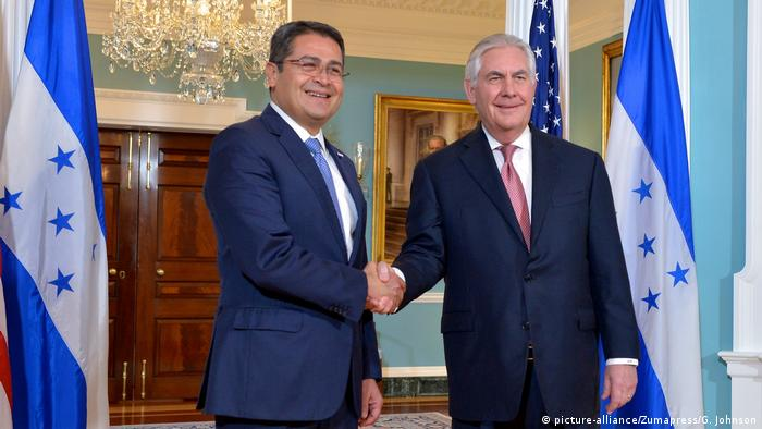 USA Rex Tillerson trifft Juan Orlando Hernández (picture-alliance/Zumapress/G. Johnson)