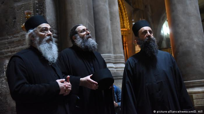 Religious leaders at the Church of the Holy Sepulchre (picture-alliance/newscom/D. Hill)