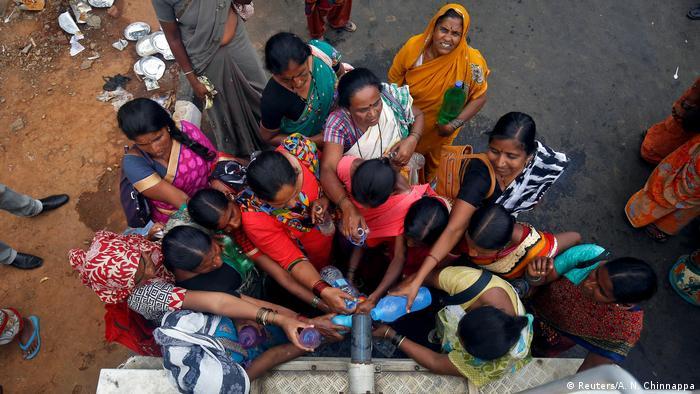 Indien Wasser holen in Bengaluru