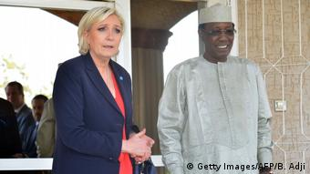 Afrika Tschad - Le Pen besucht Idriss Deby Itno