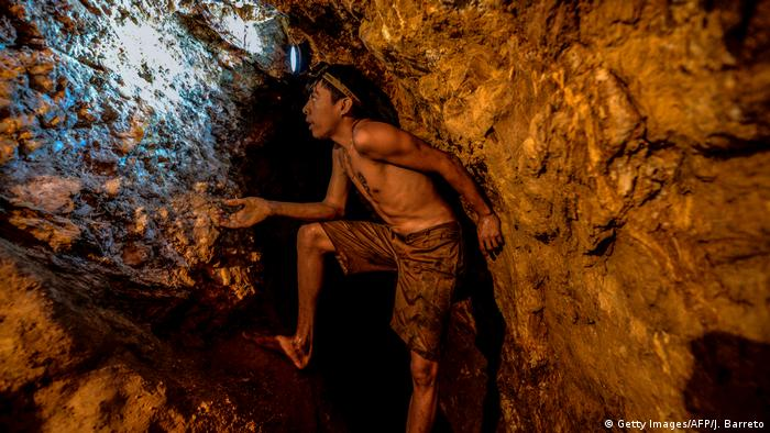 Venezuela   illegale Goldschürfung (Getty Images/AFP/J. Barreto)
