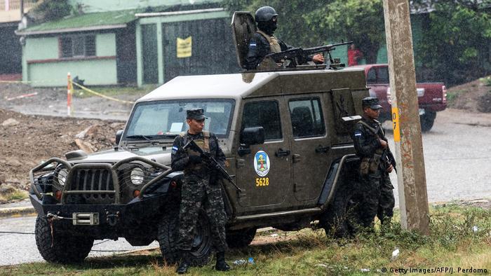 La ONU desaconsejó al Gobierno de Honduras la expansión del papel de las Fuerzas Armadas para que asuma labores de seguridad civil, ante los elevados niveles de violencia e inseguridad en el país. 22.03.2017