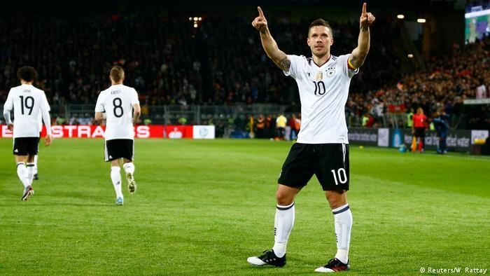 adidas le hizo unos botines especiales a Lukas Podolski en su retiro de la selección alemana