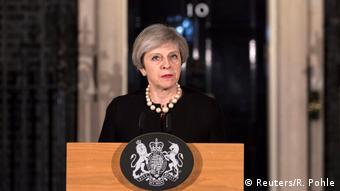 Großbritannien Theresa May Downing Street in London