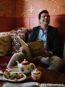 Saeed Sanatpour in his restaurant (Photo: Lena Ganssmann)