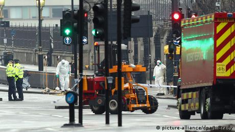 Großbritannien Terroranschlag in London | Spurensicherung (picture-alliance/dpa/J. Brady)