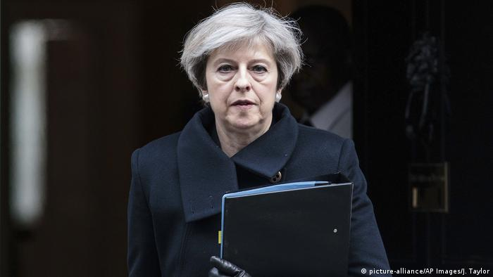 Theresa May Premierministerin England (picture-alliance/AP Images/J. Taylor)