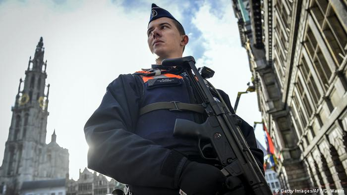 Belgien Polizeieinsatz - Antwerpen (Getty Images/AFP/D. Waem)