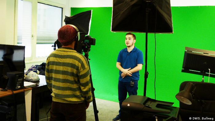 Produktion der Sendung Deine Stimme von Meydan TV