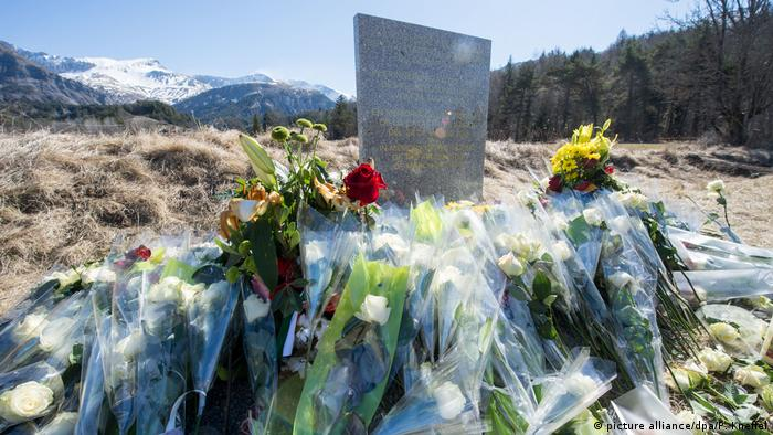 Germanwings Absturz - Jahrestag (picture alliance/dpa/P. Kneffel)