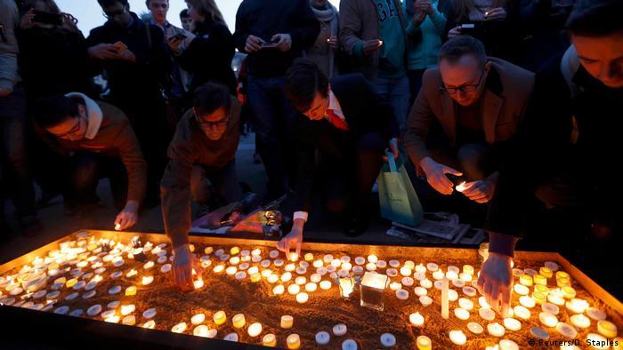 Großbritannien London Trafalgar Square Gedenken (Reuters/D. Staples)