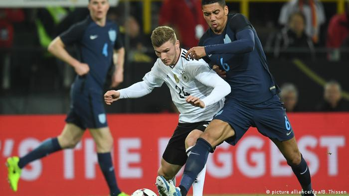 Timo Werner battles with Chris Smalling