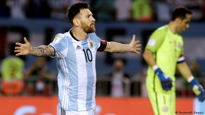 Fußball WM-Qualifikation Argentinien vs. Chile - Lionel Messi (Reuters/A. Raggio)