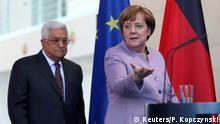 Berlin Abbas bei Merkel PK (Reuters/P. Kopczynski)