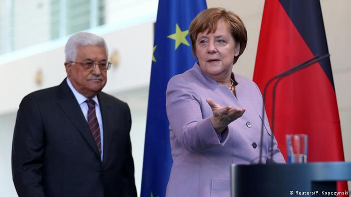 Abbas e Merkel em Berlim